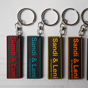 3 Kelebihan Bahan Akrilik untuk Gantungan Kunci