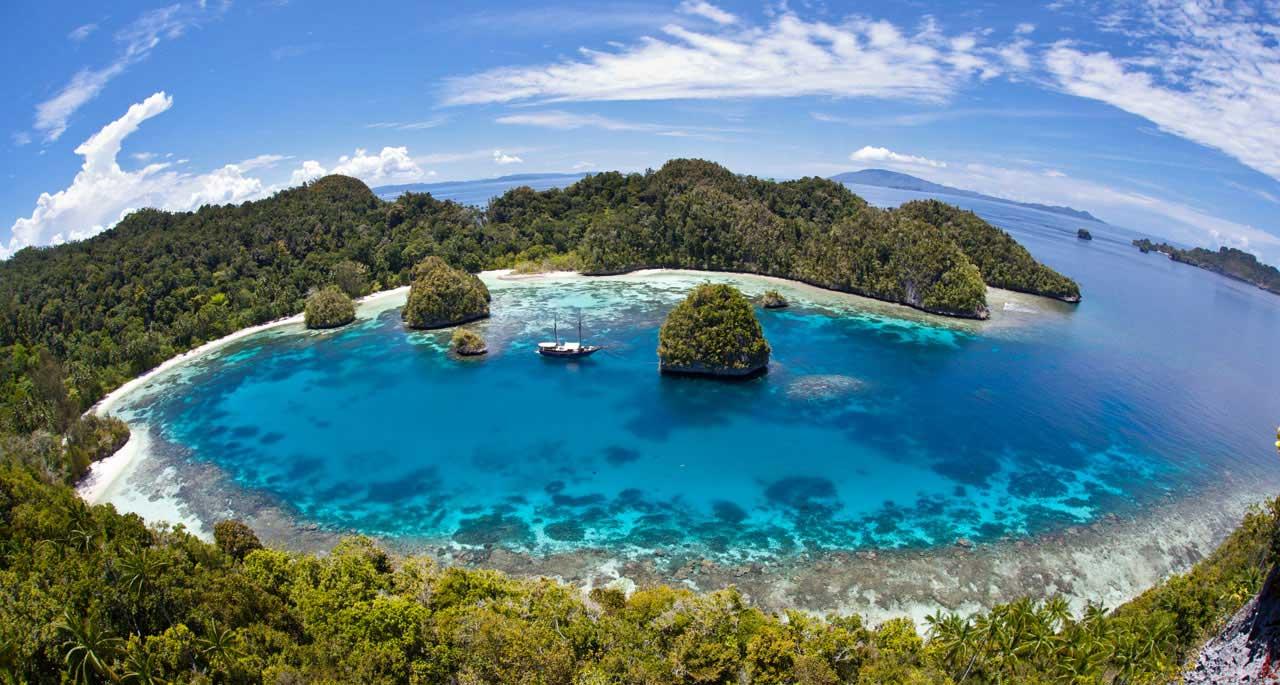 Daftar Objek Wisata di Papua Yang Paling Cocok Untuk Destinasi Wisata